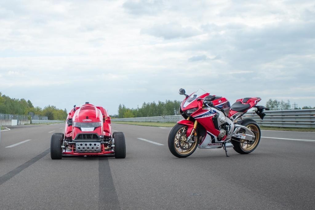 Honda Mean Mower V2, Honda CBR 1000RR Fireblade SP