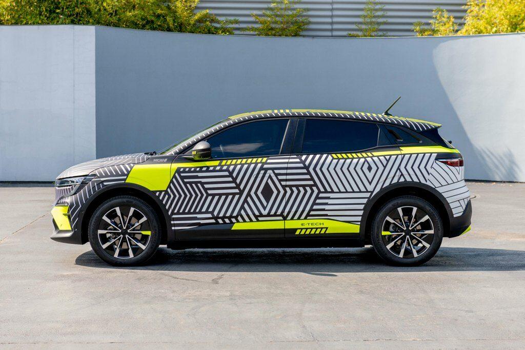 New Renault MEGANE E-TECH Electric pre-production