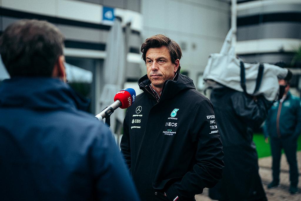 Formel 1 - Mercedes-AMG Petronas Motorsport, Großer Preis von Russland 2021. Toto Wolff Formula One - Mercedes-AMG Petronas Motorsport, Russian GP 2021. Toto Wolff